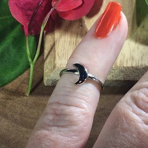 Jewelry - Crescent Moon sterling silver toe/midi ring